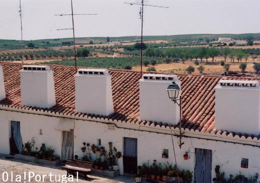 ポルトガルの住宅:煙突長屋(アレンテージョ地方)
