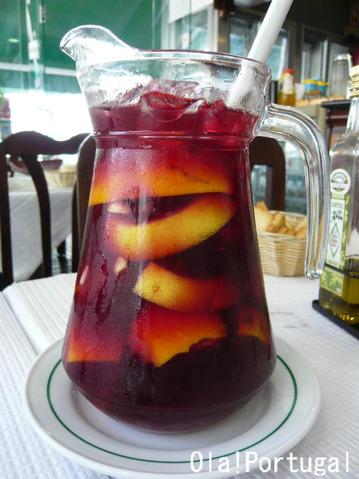 Cacilhas カシーリャスで飲んだSangria サングリア