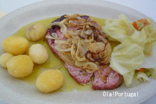ポルトガル料理:Atum de cebolada マグロのフライ