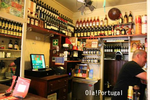 ポルトガル・リスボン旅行記:一杯飲み屋