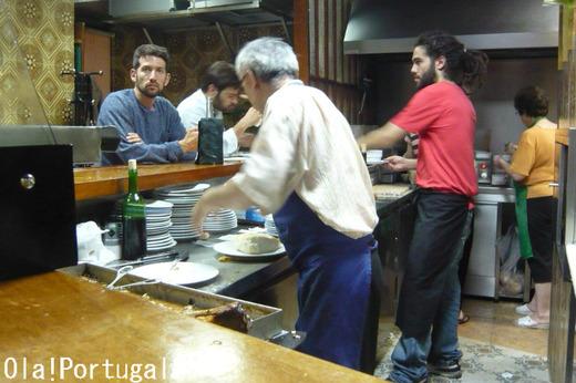 ポルトガルのB級料理:ビファナ(豚肉サンド)