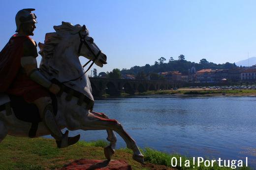 リマ川の畔の古都ポンテ・デ・リマ