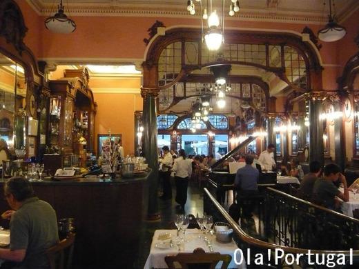 ポルトの老舗カフェ:カフェ・マジェスティック