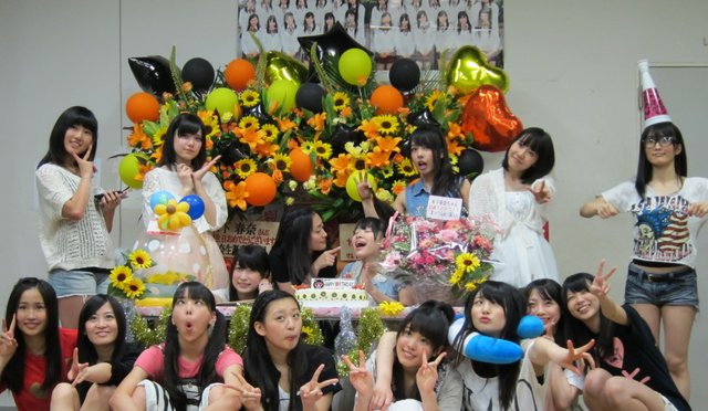 https://livedoor.blogimg.jp/omaeranews-idol/imgs/1/f/1f8d31ee.jpg