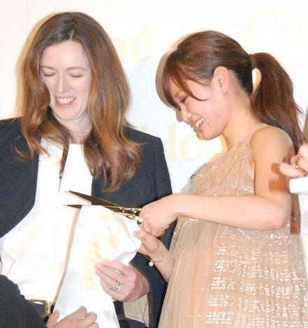 http://livedoor.blogimg.jp/omaeranews-idol/imgs/4/5/45b74a9d.jpg