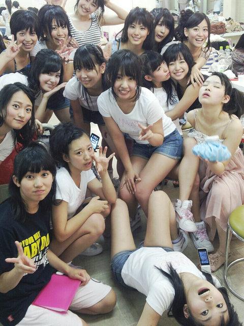 https://livedoor.blogimg.jp/omaeranews-idol/imgs/4/7/4796359f.jpg