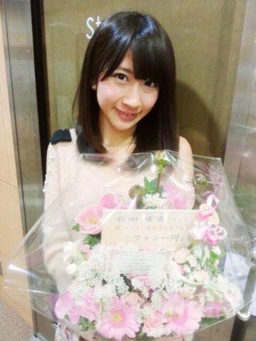 https://livedoor.blogimg.jp/omaeranews-idol/imgs/7/e/7e053216.jpg