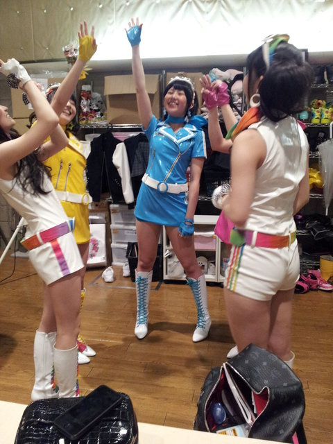 http://livedoor.blogimg.jp/omaeranews-idol/imgs/7/f/7f817299.jpg