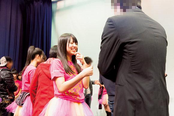http://livedoor.blogimg.jp/omaeranews-idol/imgs/b/8/b827a010.jpg