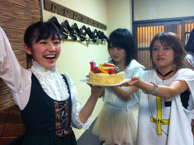 https://livedoor.blogimg.jp/omaeranews-idol/imgs/b/a/badd0e2d.jpg
