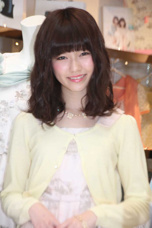 https://livedoor.blogimg.jp/omaeranews-idol/imgs/c/6/c6e1e364.jpg