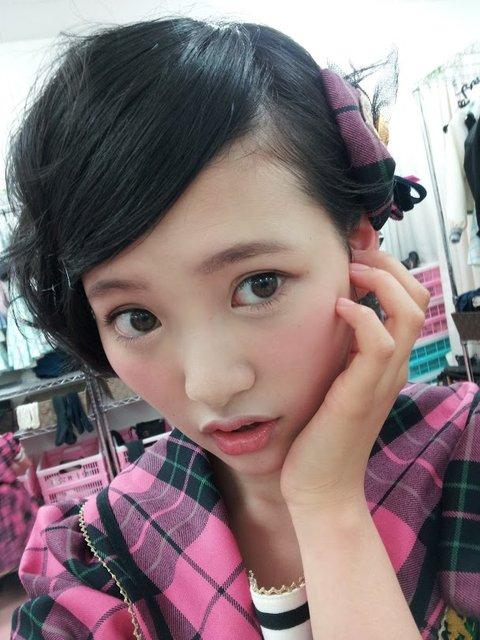 http://livedoor.blogimg.jp/omaeranews-idol/imgs/c/b/cb9b15ae.jpg