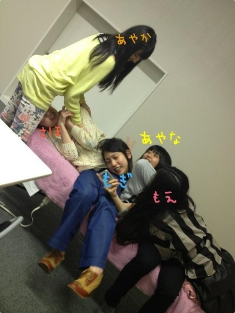 http://livedoor.blogimg.jp/omaeranews-idol/imgs/c/c/cc6a87fa.jpg