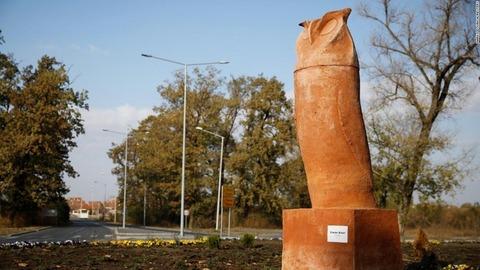 serbia-kikinda-owl-monument-super-169
