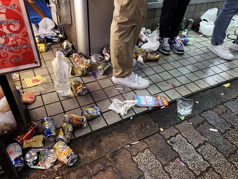 garbage-shibuya-halloween29