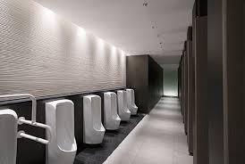 商業施設の男子トイレ