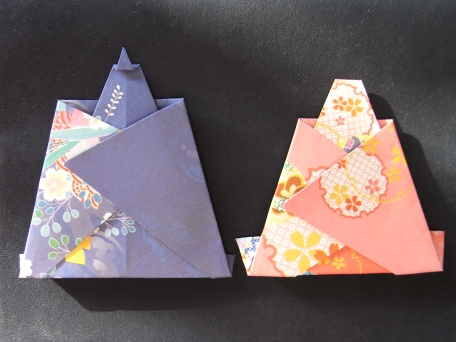 折り紙 お雛様 折り紙 簡単 : 和柄の折り紙でお雛様を折って ...