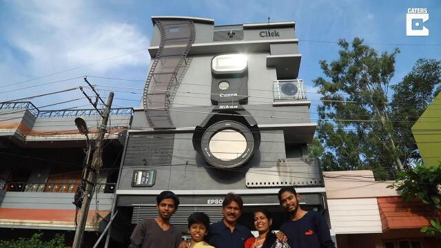 カメラをこよなく愛するインド人、3人の息子にキヤノン、ニコン、エプソンと名付け、カメラを模した家に住む