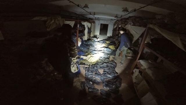 侵入方法がエグい。冷戦まっただ中のソ連某所、地下深くに建設された物資満載の地下シェルターを発見、侵入、探索