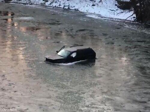 車で川に転落した男性「Siri、電話で通報して!」音声アシスタントによって命拾い