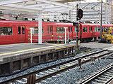【動画】 名鉄名古屋本線で人身事故 「警察がバラバラって話してる」 上下線運転見合わせで騒然