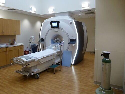 レントゲン、CTスキャン、MRIで映る違いを知ってる?…頭部の比較