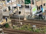 【画像】 近鉄奈良線・東花園駅で人身事故 「眼の前で」「電車の下に」 緊急車両集結、生駒駅大混雑で騒然
