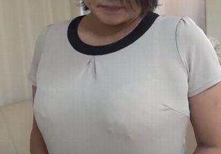 【無修正】ガクガク痙攣イキまくる段腹おばさん!