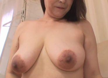 おばさんの動画50代無料 巨乳を持て余す豊満熟女をハメ撮り!