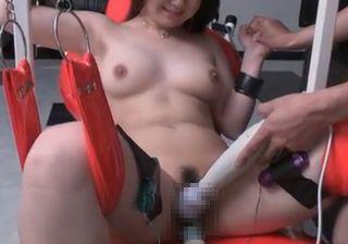 ユーチューブ動画女性smプレイで調教されたいドエムな熟女!