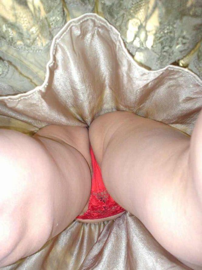 熟女おばさんのスカートの中逆さ撮り高画質エロ画像11
