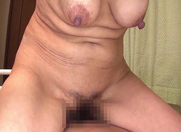 fc2画像無料夫婦、久し振りのセックスで熟年女性がおまんこ濡らして乱れまくる!