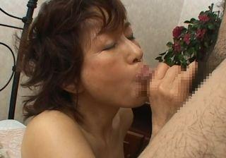 【無修正熟女アダルト動画】里中亜矢子(56歳)さんの中出しセックス映像