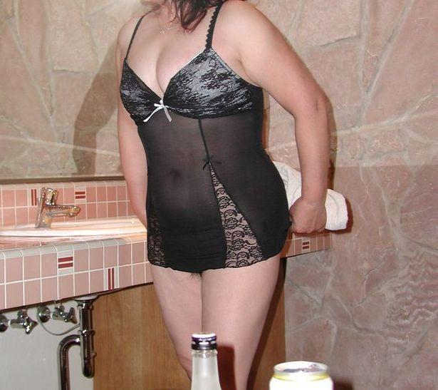【投稿素人画像】シミーズおばさん・スリップ熟女のエロアルバム15