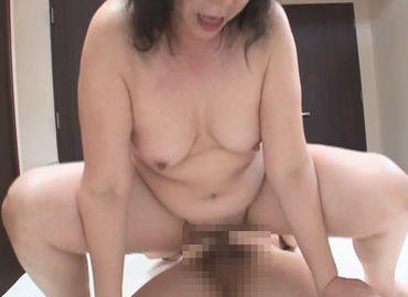 おばさん体験動画で60代の中年女性がイキまくる無料セックス動画