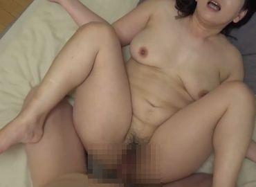 熟女マニアの私が見たい40代女性のプライベートセックス!