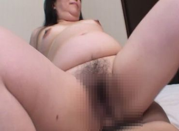 【無修正】肉を揺らして悶えまくる五十路熟女の濃厚セックス!