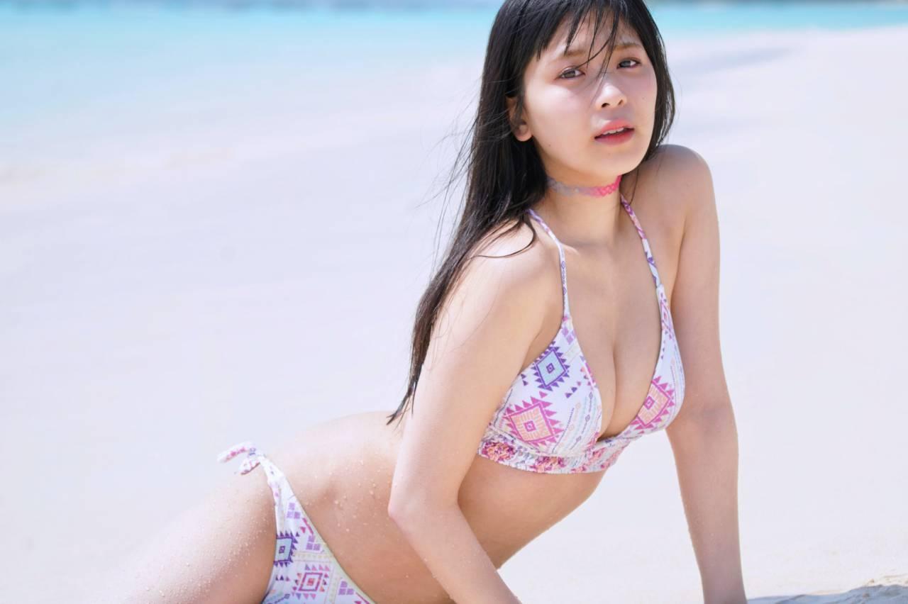 安田桃寧エロ画像