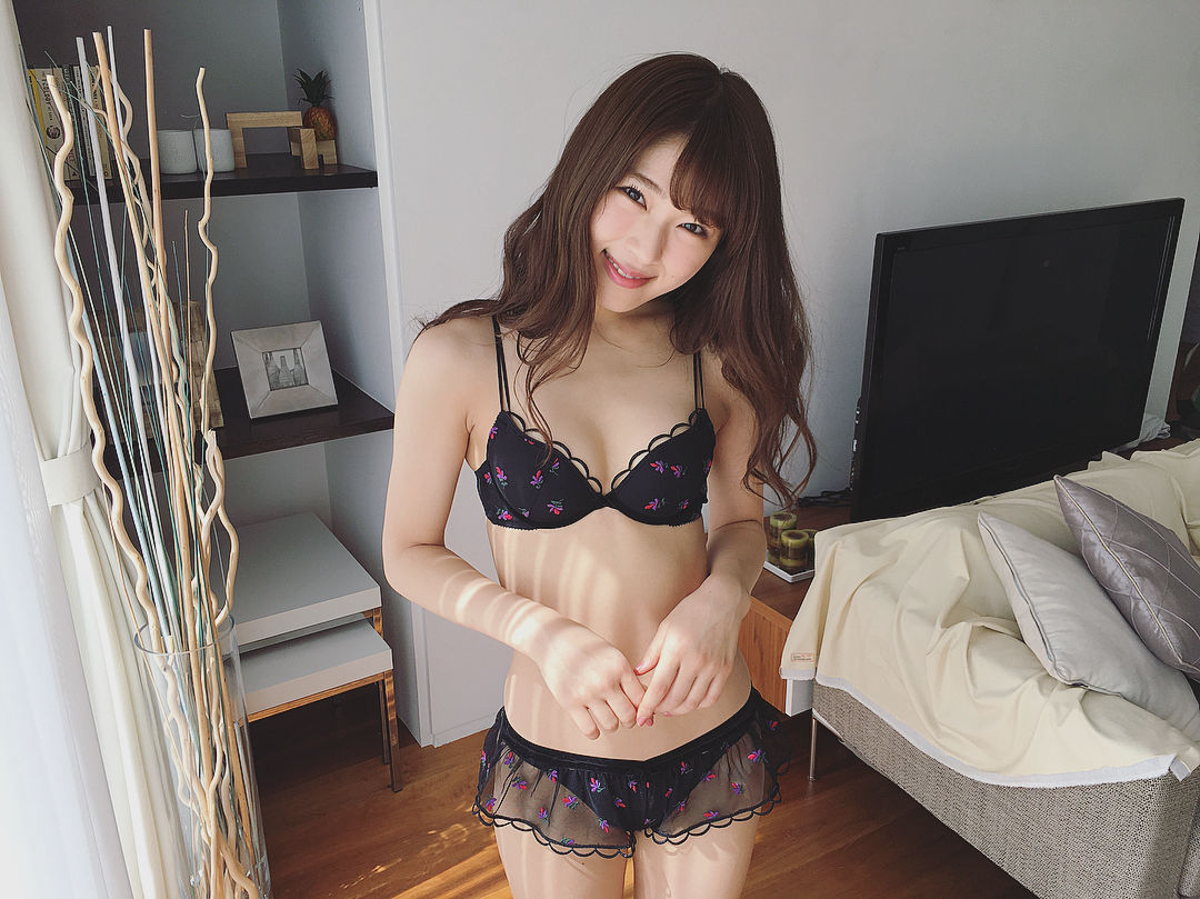 渋谷凪咲エロ画像22860793_267564797099755_4047092737504182272_n