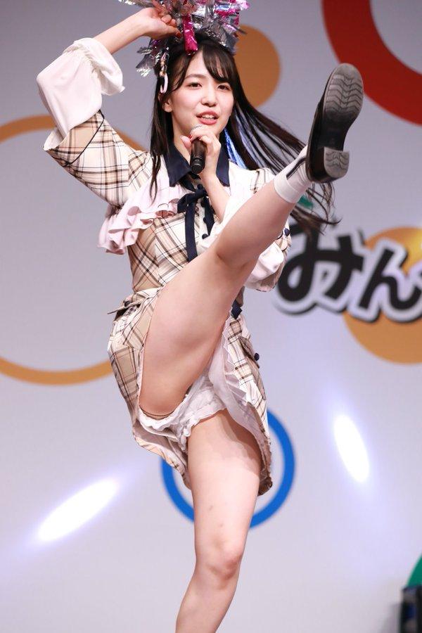 下尾みうパンチラエロ画像시타오미우야사