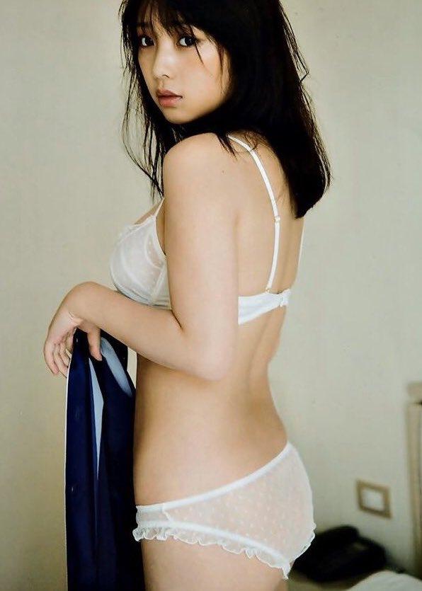 与田祐希エロ画像ES0n-GHUEAAjrGc
