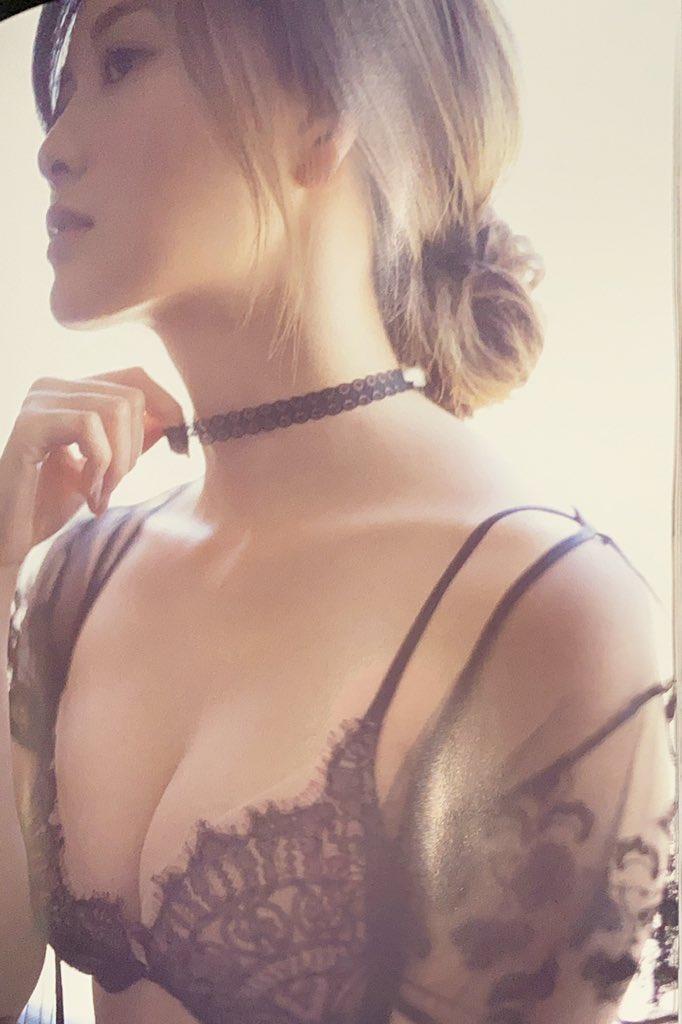 白石麻衣エロ画像