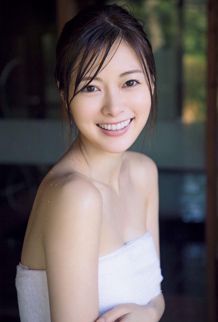 白石麻衣エロ画像tumblr_p1bjixb31y1vfqk8co5_1280