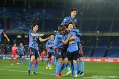 日本、宿敵・韓国に3発快勝! 代表デビューの山根が初ゴール、鎌田と遠藤が追加点