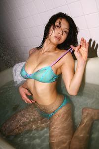 相澤仁美 ダイナミックボディのセクシー画像