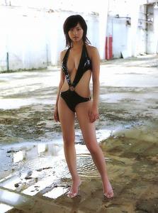 安田美沙子 けっこう着せられていた変形水着画像集