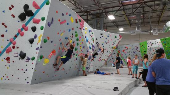 kids-love-bouldering