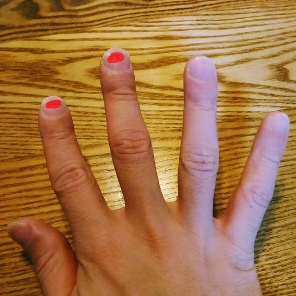爪の当たる位置