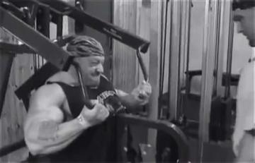 dorian-yates_back-2-hammer-pulldowns