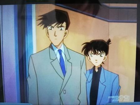 【画像】名探偵コナンの高木刑事の身長、高すぎて草wwww